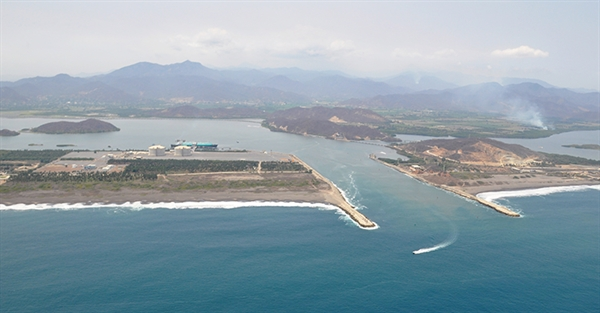 Mexico to Expand Manzanillo Port with Four New Terminals
